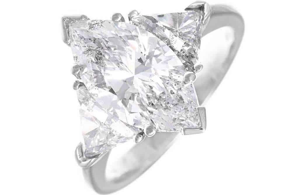 Anello solitario diamante taglio marquise