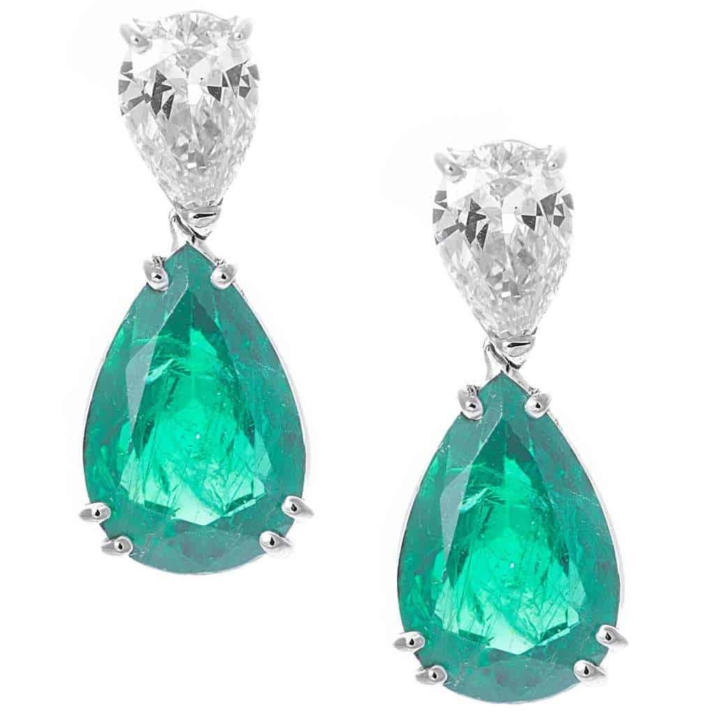 Orecchini pendenti con goccia di diamanti e smeraldi